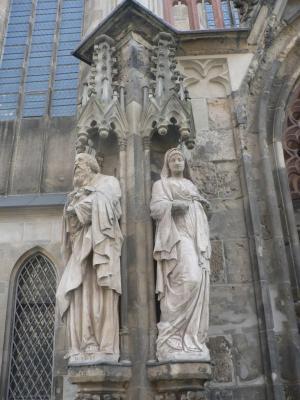 Статуи церкви Святого Фомы